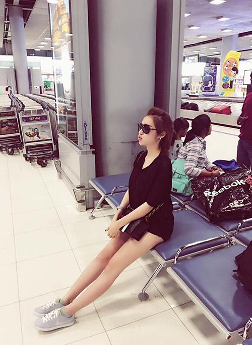 Facebook sao 28/12: Hà Hồ hẹn hò với bạn trai đại gia - 7