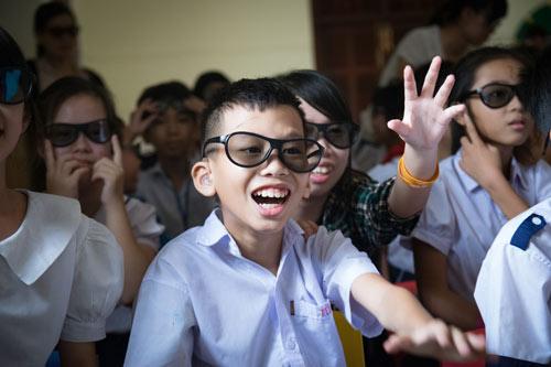 Nụ cười hồn nhiên của trẻ thơ tại rạp chiếu phim đặc biệt - 5