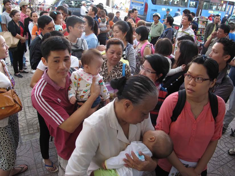 TP.HCM: Đăng ký tiêm vắc-xin Pentaxim qua tổng đài 1080 - 1