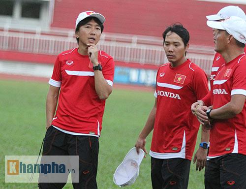 Bị HLV Miura trách, Xuân Trường tập hùng hục để ghi điểm - 12