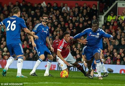 3 tình huống MU đòi phạt đền trước Chelsea - 1