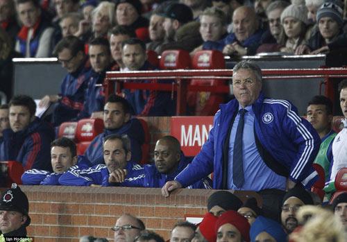 Hậu MU - Chelsea, Van Gaal quyết không từ chức - 2