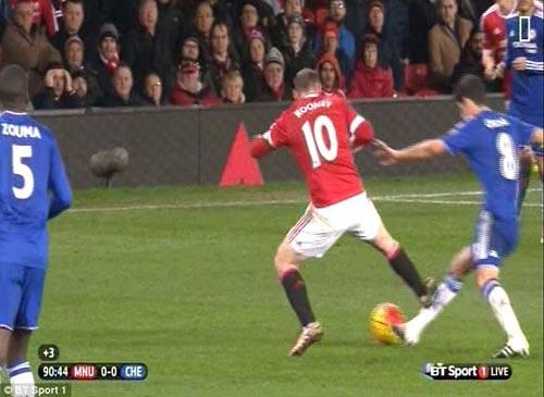 Rooney được bầu chọn hay nhất, fan MU sốc nặng - 3