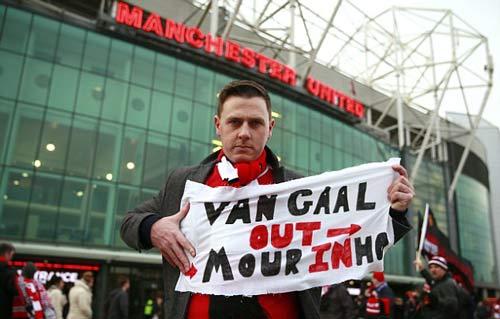 Hòa Chelsea, Van Gaal đưa MU trở lại năm 1990 đen tối - 4