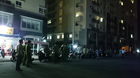 Hàng chục người nước ngoài hỗn chiến ở quán ăn - 1