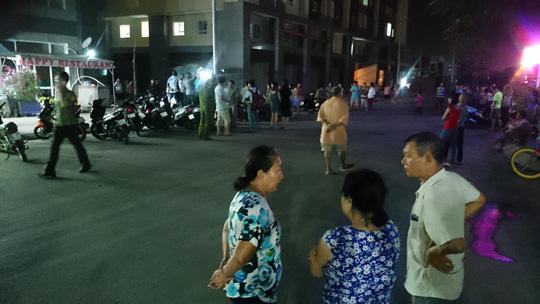 Hàng chục người nước ngoài hỗn chiến ở quán ăn - 2