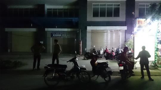 Hàng chục người nước ngoài hỗn chiến ở quán ăn - 4