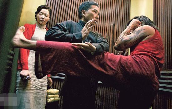 Phim của Chân Tử Đan, Mike Tyson 'điên cuồng' lập kỷ lục - 1