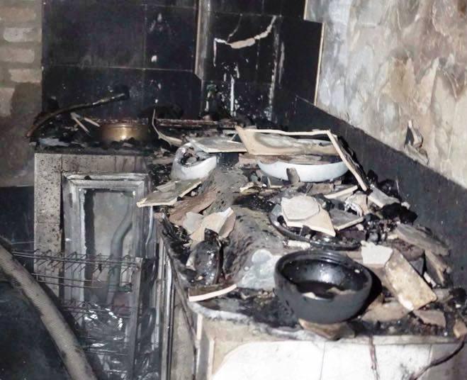 HN: Lửa cháy trong ngôi nhà khóa cửa, cụ bà tử vong - 1