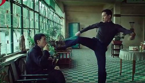 Clip: Lý Tiểu Long tấn công sư phụ Diệp Vấn - 2