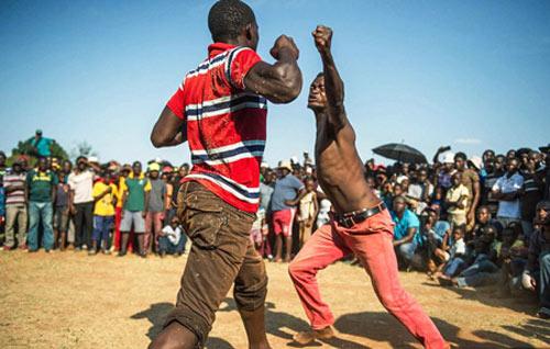 Boxing bộ tộc: Đánh cho đối thủ xin mới thôi - 2