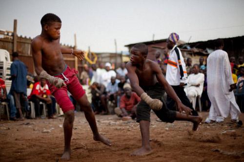 Boxing bộ tộc: Đánh cho đối thủ xin mới thôi - 5