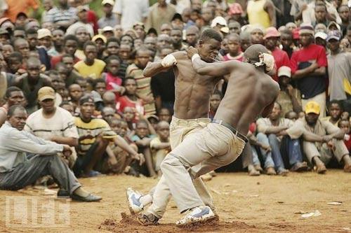 Boxing bộ tộc: Đánh cho đối thủ xin mới thôi - 3