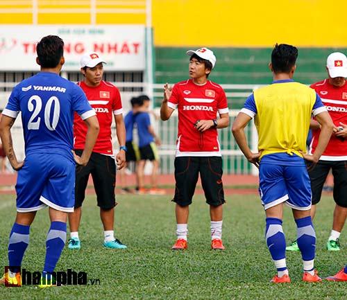 """U23 Việt Nam """"căng như dây đàn"""" trước ngày đi Qatar - 10"""
