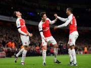 Bóng đá - Kỳ lạ Arsenal: Vô đối 12 tháng, trắng tay cả mùa giải