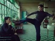 Thể thao - Clip: Lý Tiểu Long tấn công sư phụ Diệp Vấn