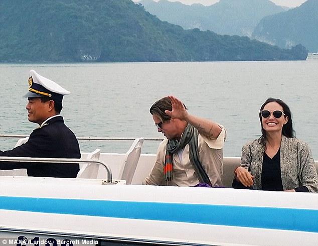 Con trai nuôi gốc Việt của Angelina Jolie gặp sự cố tại Thái Lan - 2