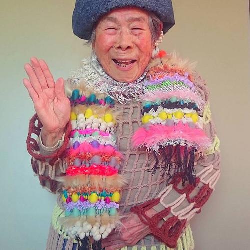 Gu mặc lòe loẹt, bắt mắt của cụ bà 93 tuổi - 8