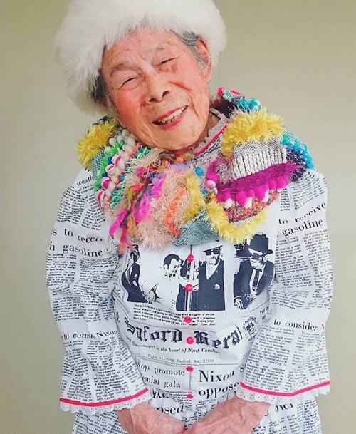 Gu mặc lòe loẹt, bắt mắt của cụ bà 93 tuổi - 10