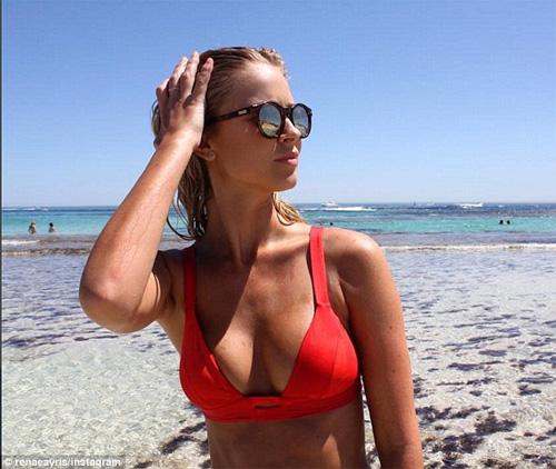 Áo tắm gợi cảm của sao đốt nóng bãi biển dịp cuối năm - 12