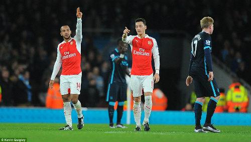 Arsenal vô địch mùa đông: Đã hay còn gặp may - 1