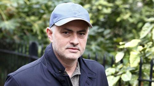 Mourinho được mời dẫn dắt CLB 23 trận không thắng - 1
