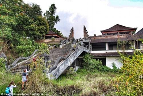 """Lạnh tóc gáy với """"khách sạn ma"""" ở chốn thiên đường Bali - 3"""
