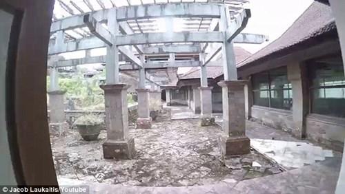 """Lạnh tóc gáy với """"khách sạn ma"""" ở chốn thiên đường Bali - 7"""