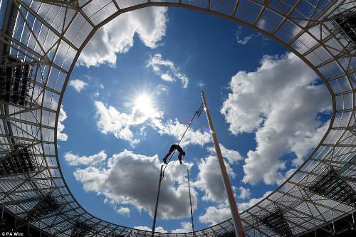 """50 hình ảnh thể thao SỐC 2015: """"Cơn điên"""" của Djokovic (P2) - 3"""