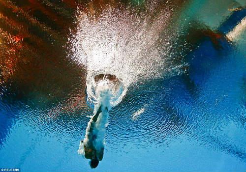 """50 hình ảnh thể thao SỐC 2015: """"Cơn điên"""" của Djokovic (P2) - 12"""