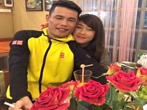 Đời sống Showbiz - Facebook sao 30/12: Hiệp Gà khoe clip hôn bạn gái mới