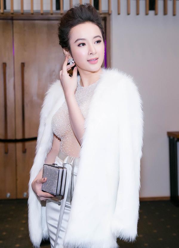 Angela Phương Trinh lại gây 'bão' với áo xuyên thấu - 2