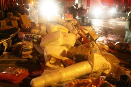 Chợ Phủ Lý cháy rực trời trong đêm, tiểu thương hoảng loạn - 2