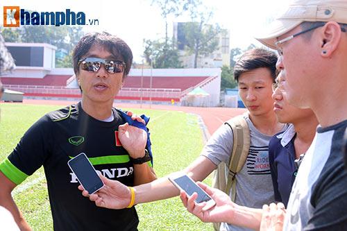 HLV Miura: Tuấn Anh vẫn còn nhiều cơ hội đá ở Qatar - 2
