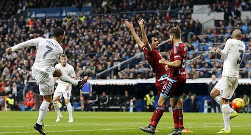 Real Madrid lại thắng nhưng Benitez vẫn thất bại - 1