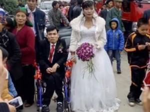 Tình yêu tuyệt vời của chồng tàn tật lấy vợ xinh