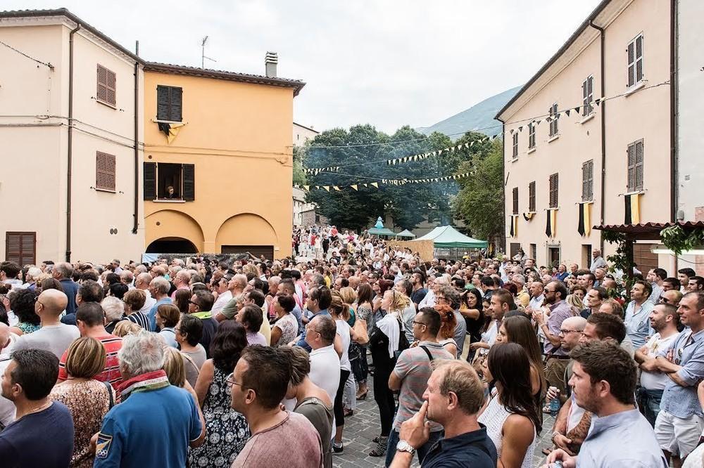 """Thăm """"Lễ hội người xấu xí"""" tại Italia - 8"""