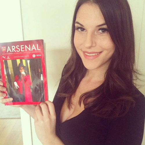 MC bốc lửa hứa cởi đồ, đóng bỉm nếu Arsenal vô địch - 3