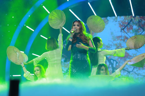 Cô gái ngoại quốc đăng quang Vietnam Idol - 4