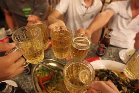"""Thế giới """"sởn da gà"""" nghe chuyện """"Việt Nam là quốc gia say xỉn"""" - 1"""