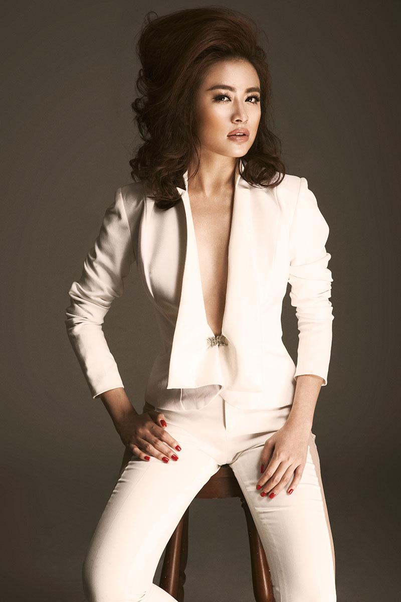 Hoàng Thùy Linh bốc lửa đốt cháy đêm CK Next Top Model - 4
