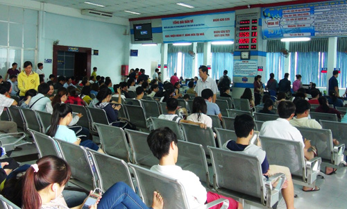 Vé tàu Tết Đinh Dậu: Hết vé những ngày cao điểm - 4