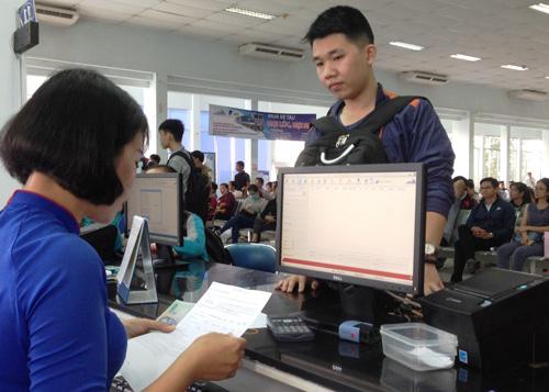 Vé tàu Tết Đinh Dậu: Hết vé những ngày cao điểm - 3