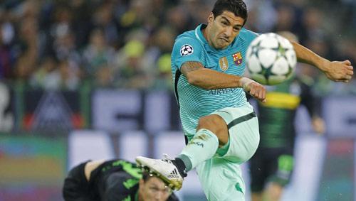 Chửi trọng tài, Suarez chờ án phạt nặng từ UEFA - 1