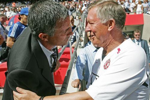 """Củng cố quyền lực ở MU, Mourinho """"thăng cấp"""" Sir Alex - 1"""