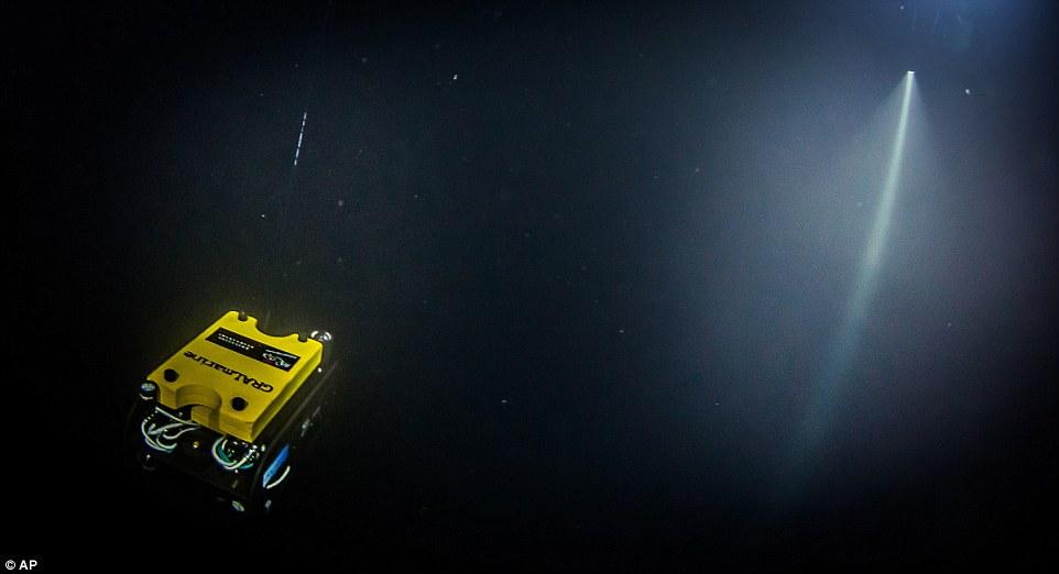 Phát hiện hang động sâu nhất thế giới, chưa dò thấy đáy - 2