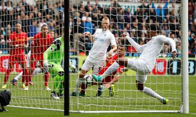Chi tiết Swansea - Liverpool: Pha phạm lỗi đáng trách (KT) - 3