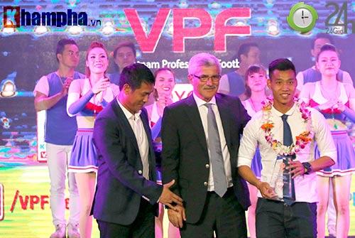 """HLV Hữu Thắng """"tố"""" bị Ban tổ chức V-League xúc phạm - 1"""