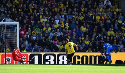 Watford - Bournemouth: Thế trận cởi mở - 1