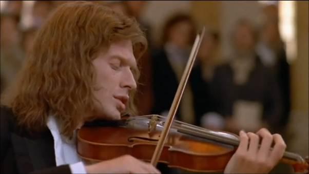 """Ám ảnh với tình yêu mãnh liệt trong """"Cây dương cầm máu"""" - 4"""